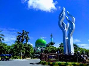 Arek Lancor with Masjid Agung Asy-Syuhada, Pamakesan
