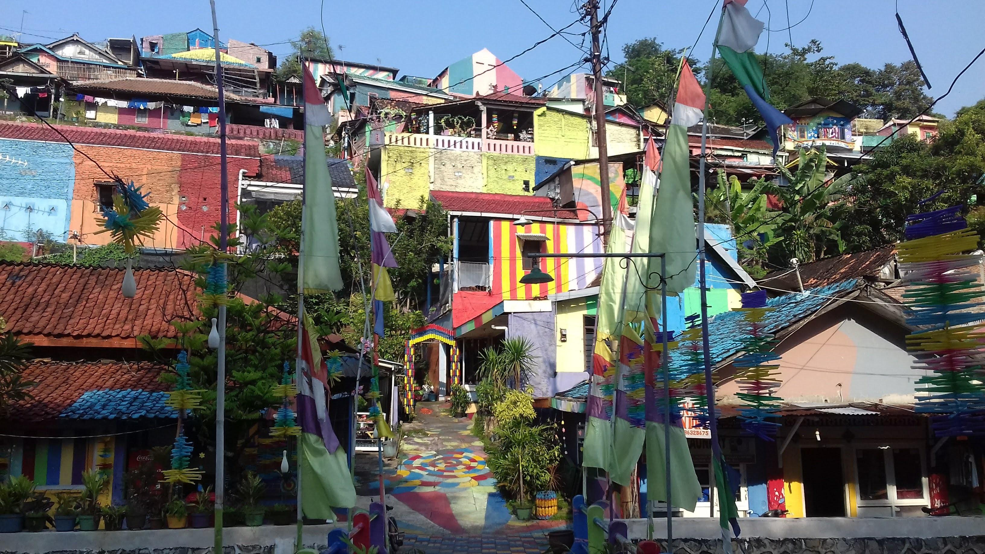 rainbow village, semasrang