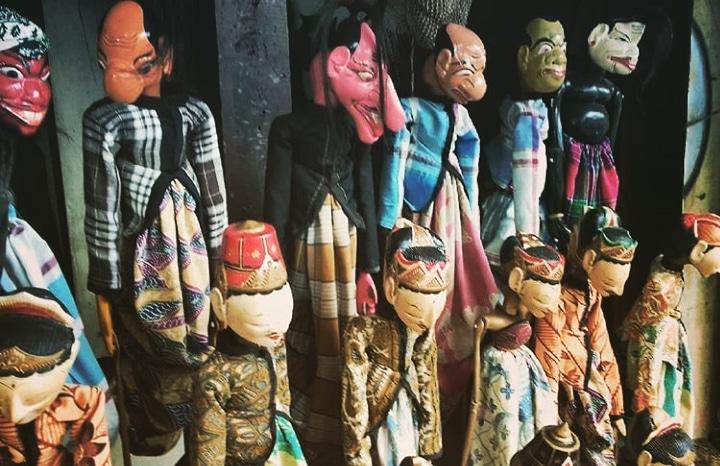shadow puppets, jakarta